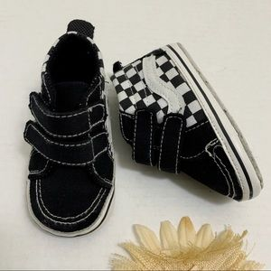 Other - 7-12M Cute Baby Checkered Sneakers